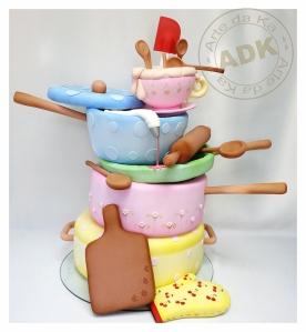 bolo festa na confeitaria- louças - panelas